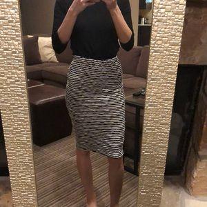 ASTR skirt size small